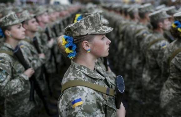 Mарш-алкоголички-на-репетиции-парада-в-Киеве-взорвало-интернет
