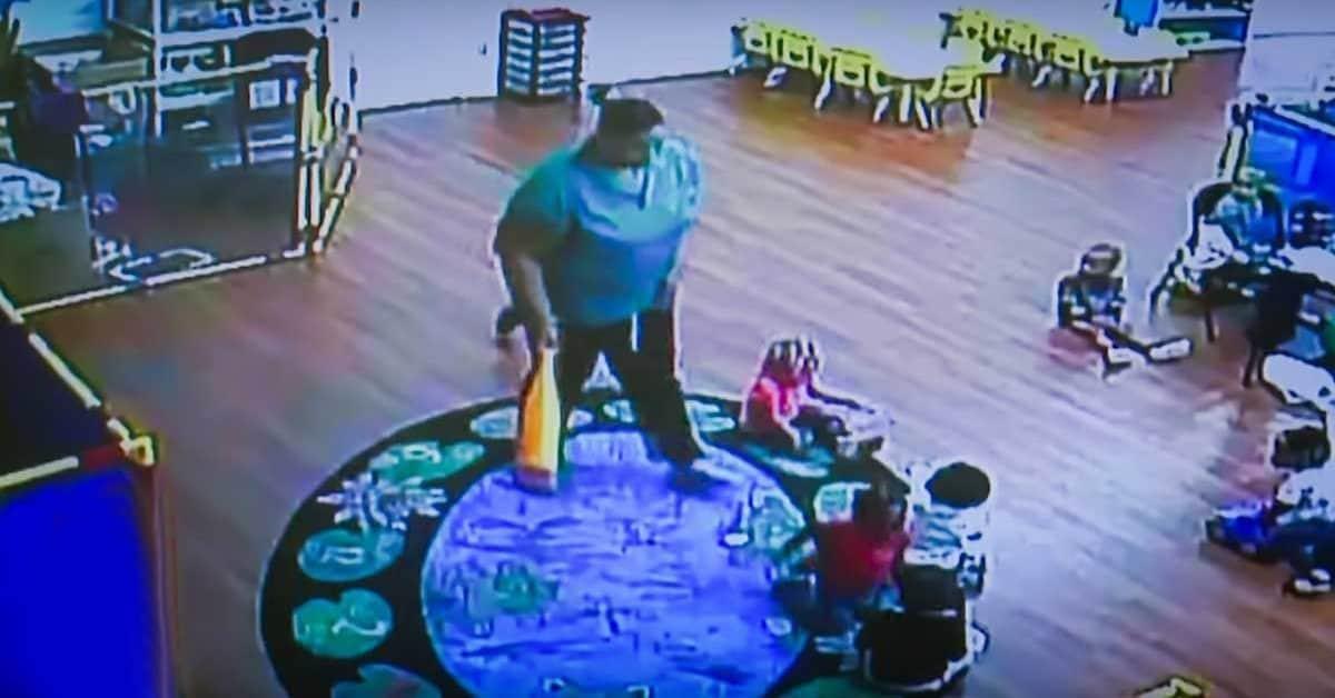 Запись-c-камеры-наблюдения -детского-сада-повергла-родителей-в-шок.