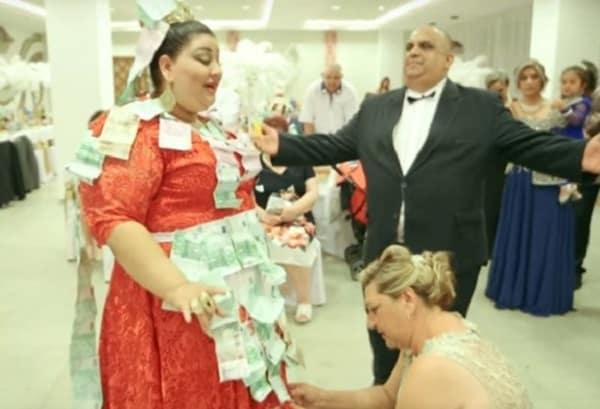 Этой-цыганской-свадьбе-позавидовала-бы-английская-королева
